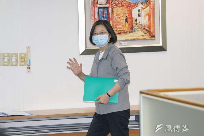 20200805-民進黨主席、總統蔡英文5日出席民進黨中常會。(盧逸峰攝)