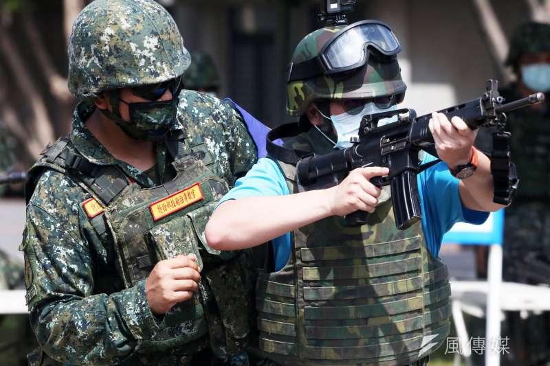 國防部今(5)日特別開放其中之一、今年首次舉辦的「特戰體驗營」供媒體採訪。(蘇仲泓攝)