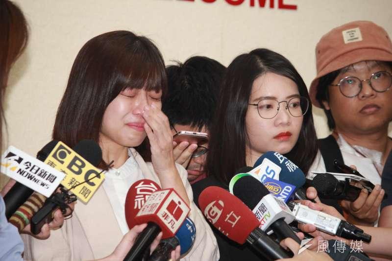 台北市議員林穎孟(左)、黃郁芬(右)退出時代力量,作者認為恐掀起一波跳船潮。(資料照,方炳超攝)