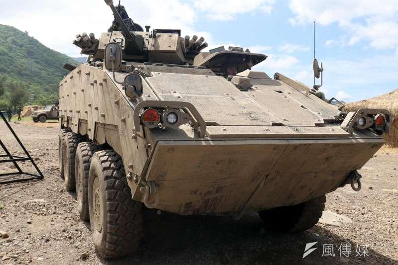 漢光演習近年操演,灘岸執行反登陸作戰操演的主戰裝備,多以現地取得的泥沙直接塗抹在外部上,形成演習限定的「沙色迷彩」。圖為以沙色現身的CM-34 30公厘機砲戰鬥車。(資料照,蘇仲泓攝)
