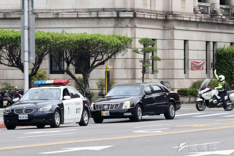 20200812-美國衛生部長艾薩(Alex Azar II)訪台,期間搭乘外交部安排的凱迪拉克座車。(蘇仲泓攝)