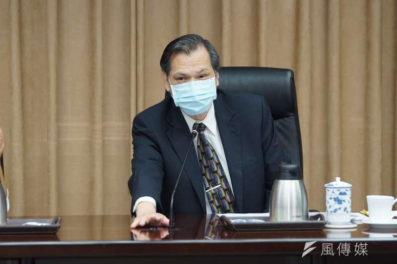 陸委會主委陳明通說,對海陸兩會三十周年或此刻的兩岸關係,都沒有評論。(盧逸峰攝)