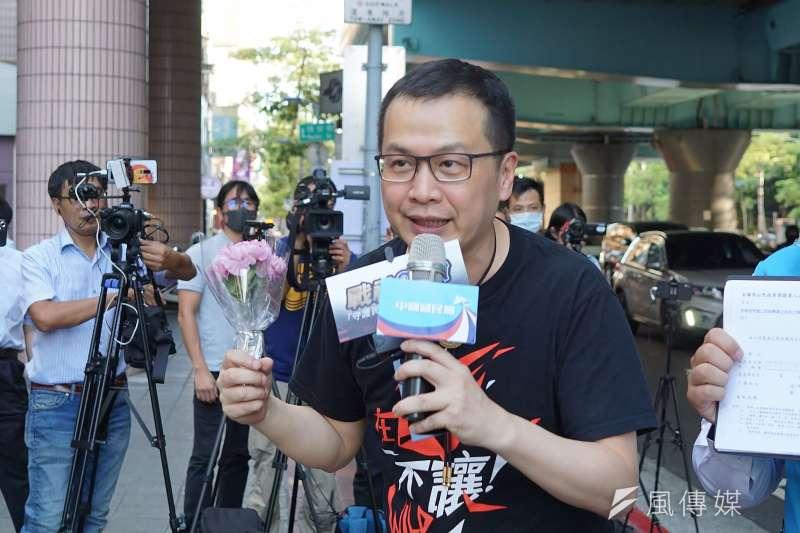 國民黨台北市議員羅智強(見圖)表示,民進黨在開放萊豬的蠻橫獨斷,讓民眾的怨氣反映在民調的數字上。(資料照,盧逸峰攝)