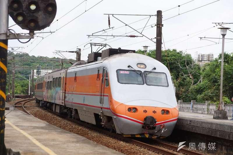 中秋、國慶連假下月將至,台鐵先後開放訂票。(資料照,盧逸峰攝)