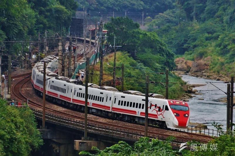 台鐵認為普悠瑪事故可能與本身列車設計的「傾斜系統」有關,更傳出內部評估暫時取消傾斜功能,以求行車安全。(盧逸峰攝)