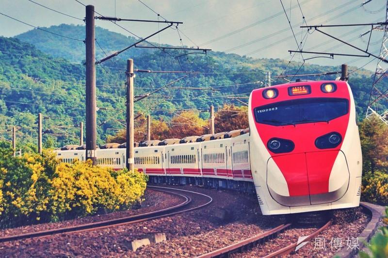 台鐵評估打破百餘年作業習慣,將東部鐵路改採國際標準軌道,以便提速至時速160公里、帶動交通速度。(資料照,盧逸峰攝)