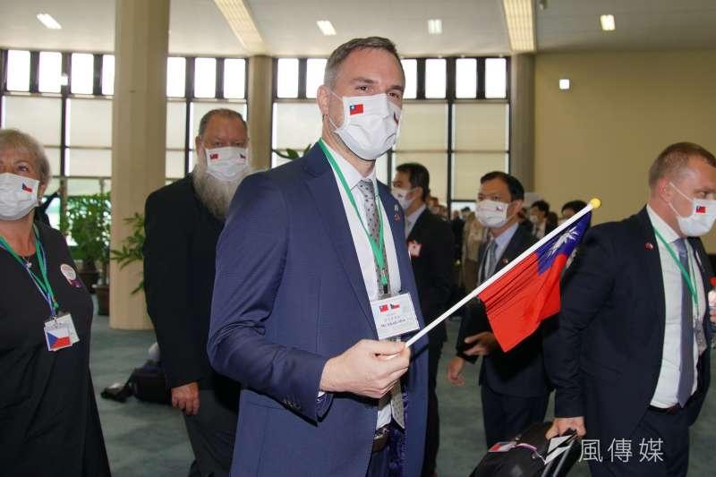 捷克政要訪問團8月30日抵達台灣,圖為布拉格市長賀吉普。(資料照,盧逸峰攝)