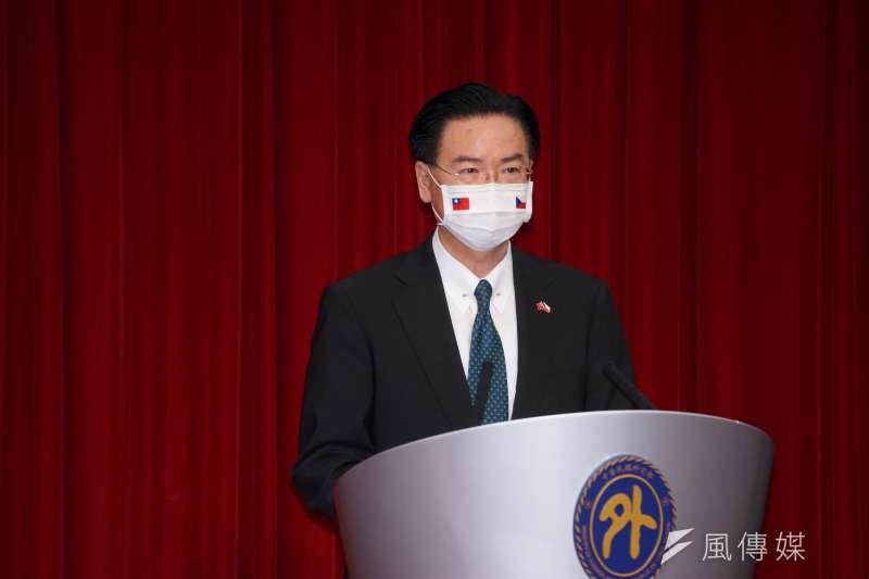 外交部長吳釗燮(見圖)日前公開表示暫不尋求和美國建交,資深媒體人唐湘龍對此批評「把台灣扮成小三」。(資料照,盧逸峰攝)