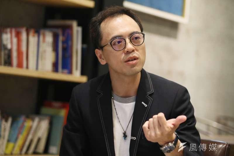 路易莎咖啡創辦人暨董事長黃銘賢表示,現在放緩拓點腳步,和品牌的二次轉型計畫有關。(柯承惠攝)