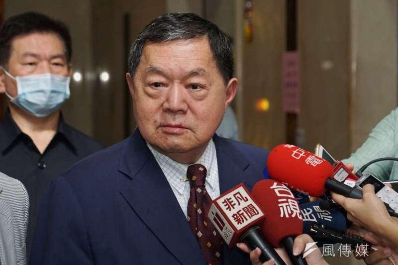 20200908-遠東集團總裁徐旭東8日前往NCC拜會,會後接受聯訪。(盧逸峰攝)