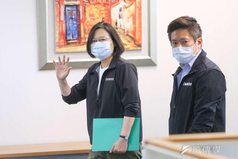 總統府發言人張惇涵(右)表示,並無報載總統蔡英文(左)約見立法院前院長王金平之情事。(顏麟宇攝)