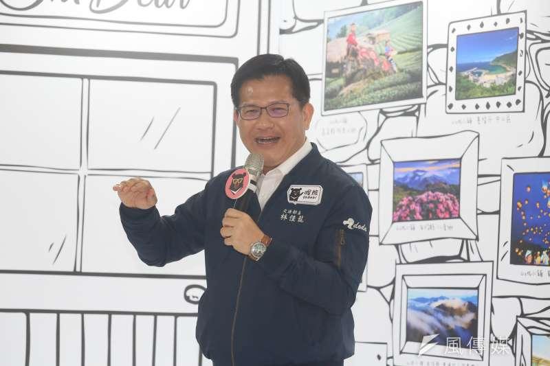 中秋、國慶連假即將到來,交通部長林佳龍今(23)日也在臉書專頁發文,強調「要抵達目的地,從來就不只一條路。」(資料照片,柯承惠攝)