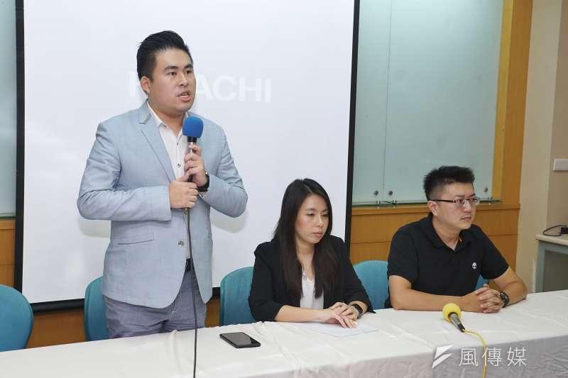 21青連線16日召開記者會評論國民黨取消派團參加海峽論壇,王炳忠發言。(盧逸峰攝)