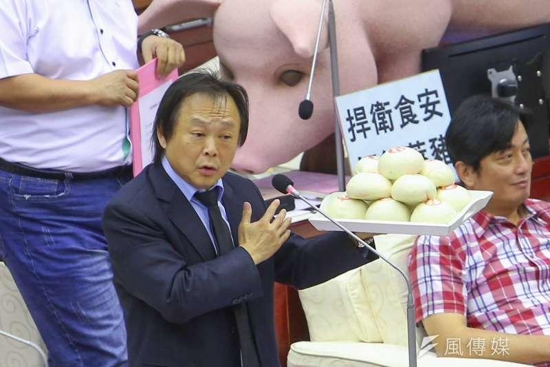民進黨市議員王世堅(見圖)批評台北市長柯文哲,從網紅、黨主席到購物專家,是什麼都當就是不當市長,心態就是數饅頭。(顏麟宇攝)
