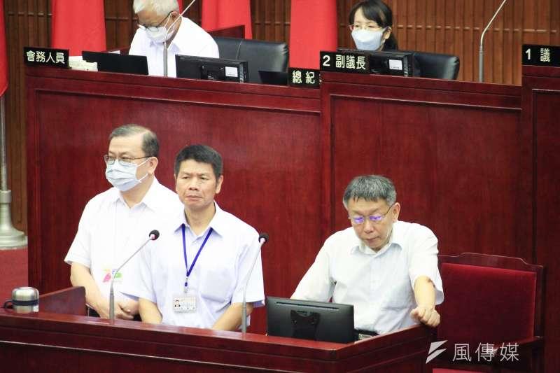 台北市長柯文哲18日赴北市議會備詢。(方炳超攝)