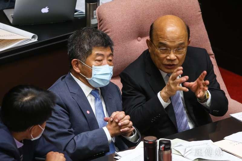 作者認為,瘦肉精危害人體健康是國際的共識,但台灣政府官員卻喜歡睜眼說瞎話為美豬護航,像是衛福部長陳時中(左)近日的「豬睪丸說」與行政院長蘇貞昌(右)先前的「每日33片排骨五年超標說」,再再顯示民進黨執政當局對於開放美豬的堅定立場。(資料照,顏麟宇攝)
