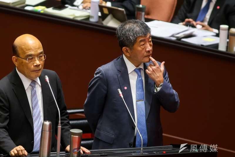 國民黨台北市議員羅智強表示,防疫大神陳時中(右),已變成民進黨第一幹話王。(資料照,顏麟宇攝)