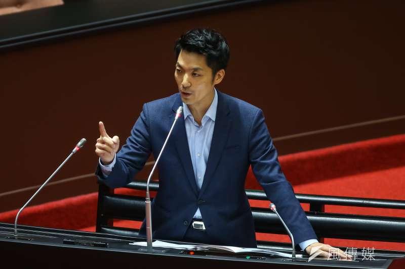 根據《TVBS》最新民調,國民黨立委蔣萬安(見圖)若參選台北市長,支持度贏過綠營呼聲最高的衛福部長陳時中13個百分點。(資料照,顏麟宇攝)