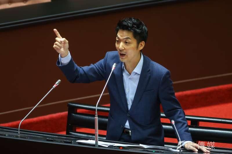 20200918-國民黨立委蔣萬安18日針對美豬及美牛進口於立院質詢。(顏麟宇攝)