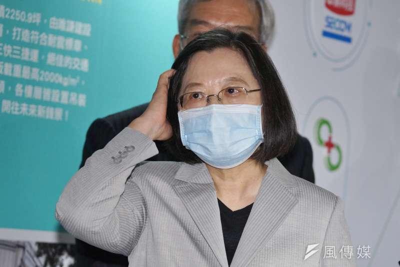 20200920-總統蔡英文20日出席危老都更博覽會,會後受訪。(盧逸峰攝)