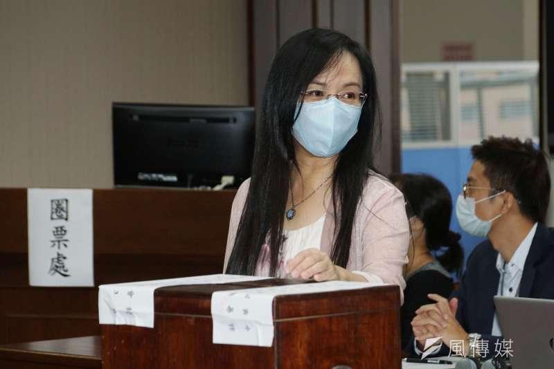 20200923-立法院23日舉行新會期召委選舉,立委陳瑩出席衛環委員會召委選舉。(盧逸峰攝)