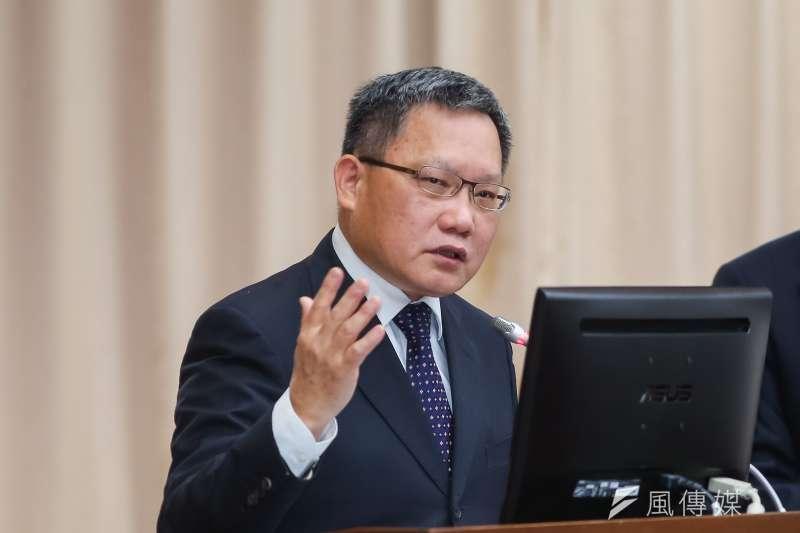 財政部長蘇建榮25日在今年亞太經濟合作(APEC)財長會議中表示,估今、明兩年台灣長債比率將微幅上升至30%及30.6%,仍在可控範圍,且為APEC少數維持在35%以下經濟體。(顏麟宇攝)
