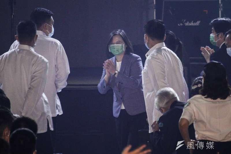 20200927-總統蔡英文出席民進黨「民主開唱」演唱會。(蔡親傑攝)