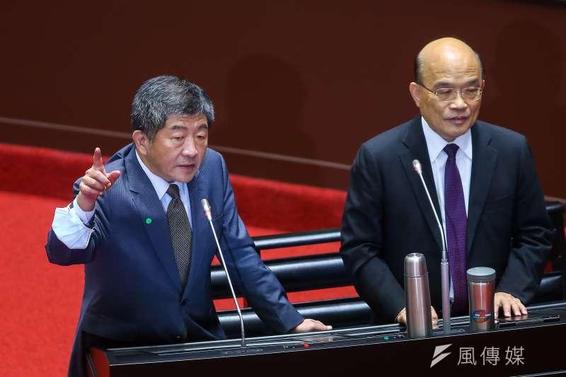 衛福部長陳時中(左)赴立法院質詢時談到,健保費調漲事宜將在11月的健保會中討論。(顏麟宇攝)