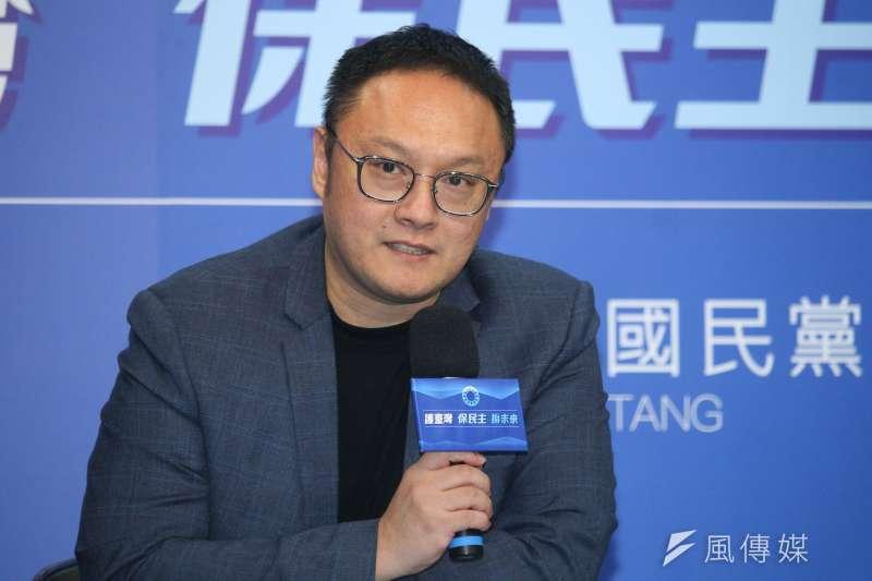 20200930-國民黨30日舉行中常會,會後由文傳會副主委鄭照新說明開會內容。(蔡親傑攝)