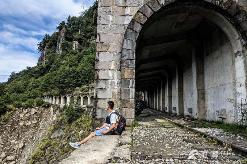 為了尋找失蹤的兒子,意外與台灣結緣,並出版了《眠月之山》道出作者對兒子的無盡思念…(示意圖/洪煜勛攝)
