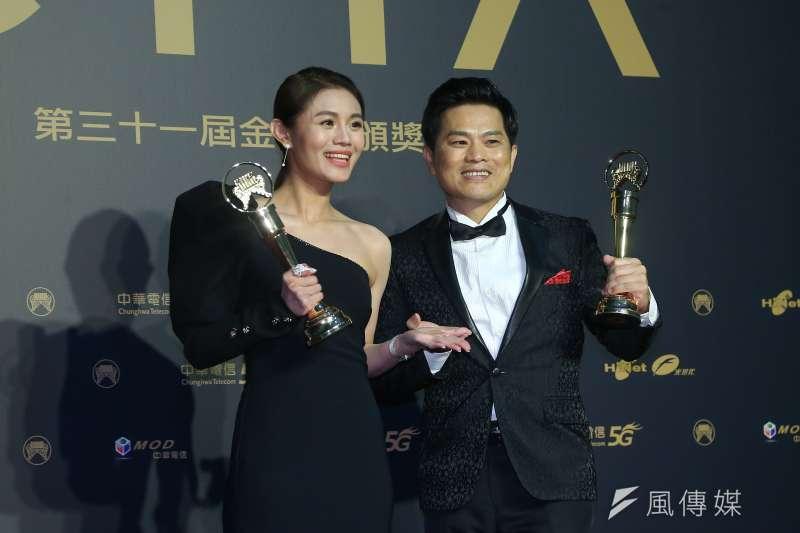 第31屆金曲獎今晚頒獎,朱海君(左)獲最佳台語女歌手獎,最佳台語男歌手獎則由蘇明淵(右)拿下。(顏麟宇攝)