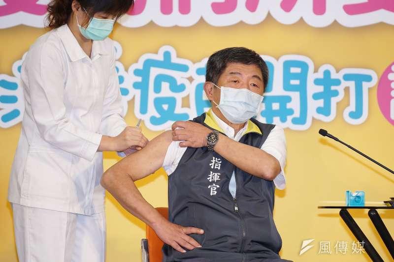 行政院長蘇貞昌表示可能因為衛福部長陳時中(見圖)示範打流感疫苗造成民眾踴躍接種。(資料照,盧逸峰攝)