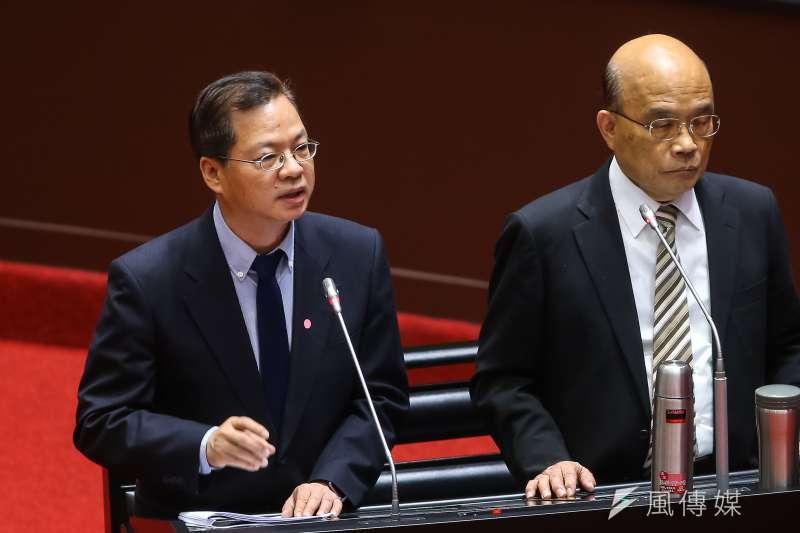 民眾黨立委蔡壁如提到,前瞻第1期預算「實現率」與「執行率」有出入。對此國發院主委龔明鑫(左)提出解釋。(顏麟宇攝)