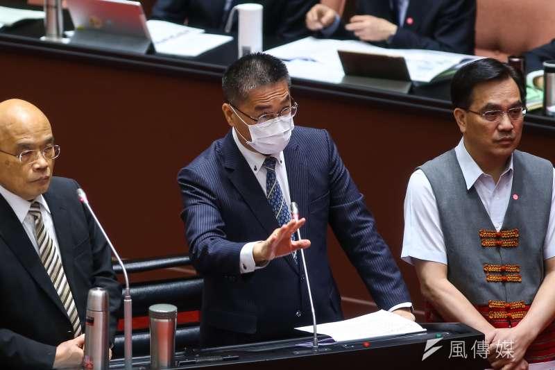 內政部長徐國勇(見圖)表示,數位身分證的晶片由台積電製造。(顏麟宇攝)