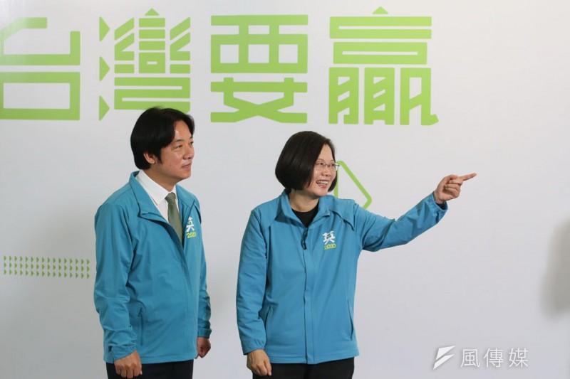 由賴清德(左)搭配競選,是蔡英文(右)堅持的結果。(柯承惠攝影)