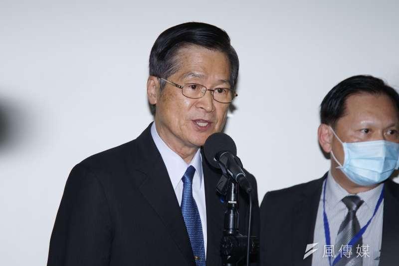 國防部長嚴德發7日赴外交國防委員會備詢,受訪時表示國軍後備戰力將進行整建。(盧逸峰攝)