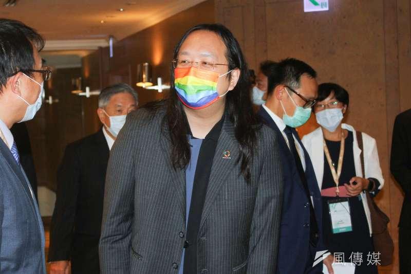 20201008-行政院政委唐鳳出席由台灣亞洲交流基金會舉辦的「2020年玉山論壇:亞洲創新與進步對話 」論壇。(蔡親傑攝)