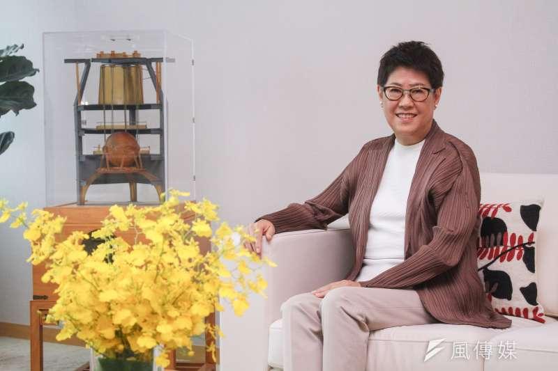 台北101總經理張振亞接受專訪時指出,經營團隊鎖定前30大品牌,確保一半以上業績。(蔡親傑攝)