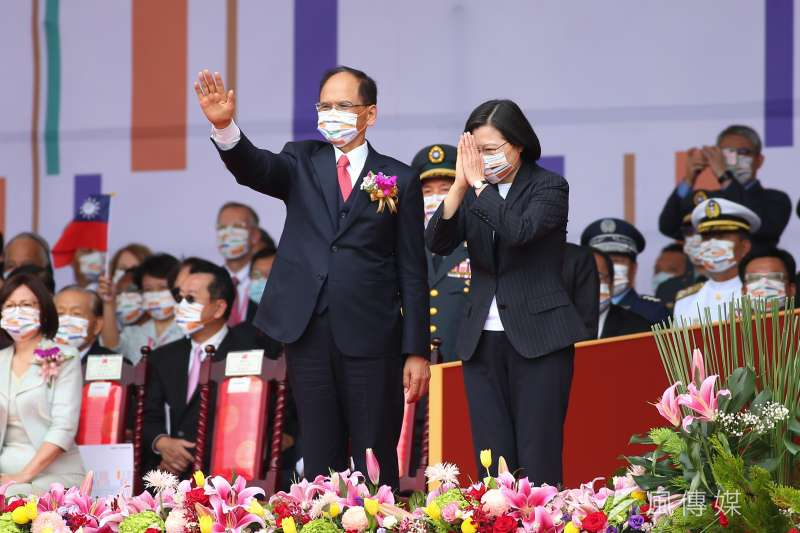 202001010-總統蔡英文、立法院長游錫堃10日出席中華民國109年國慶典禮。(顏麟宇攝)