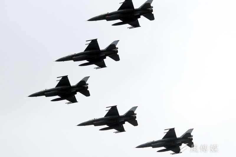 頂著共機近期持續侵擾我西南空域的「敵情」,空軍年度盛事「天龍演習」19日起展開為期5天的對抗訓練。(資料照,蘇仲泓攝)