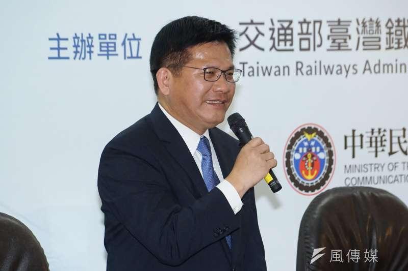 20201014-交通部長林佳龍14日出席台鐵與中山科學研究院合作開發「限速備援系統」簽約典禮。(盧逸峰攝)