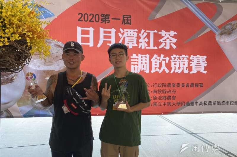 南投縣魚池鄉農會今年首度在南投茶博會中舉辦2020日月潭紅茶調飲比賽獲社會組跟學生組的冠軍選手。(圖/王秀禾攝)