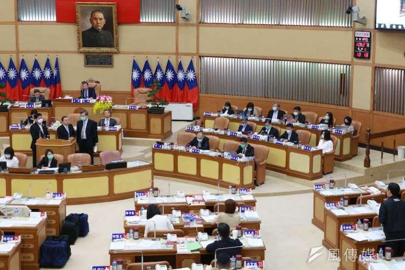 新北市長侯友宜回覆議員李坤城,今早與副總統賴清德會面,只談如何讓萬里建設更好,其它都沒談。(圖/李梅瑛攝)