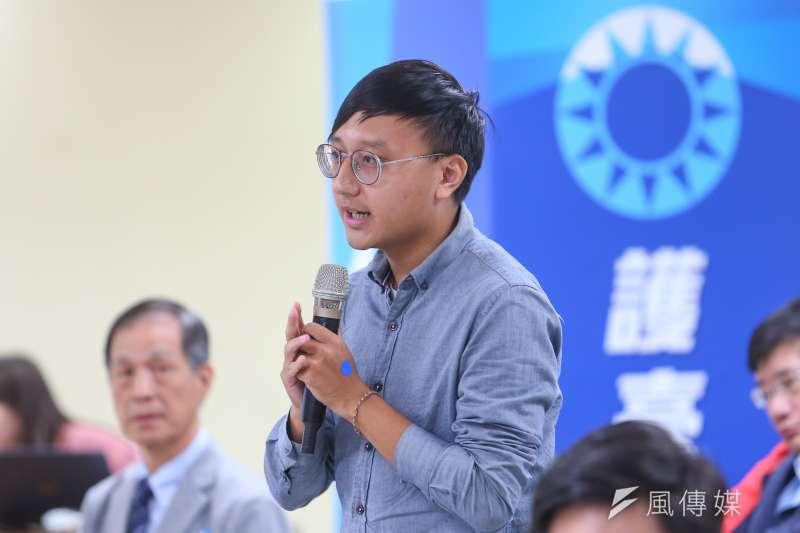 20201028-國民黨青年團長陳柏翰28日出席「國際民主沙龍」談「從公民覺醒到靠北左膠:解嚴後社會進步運動的回顧」。(顏麟宇攝)