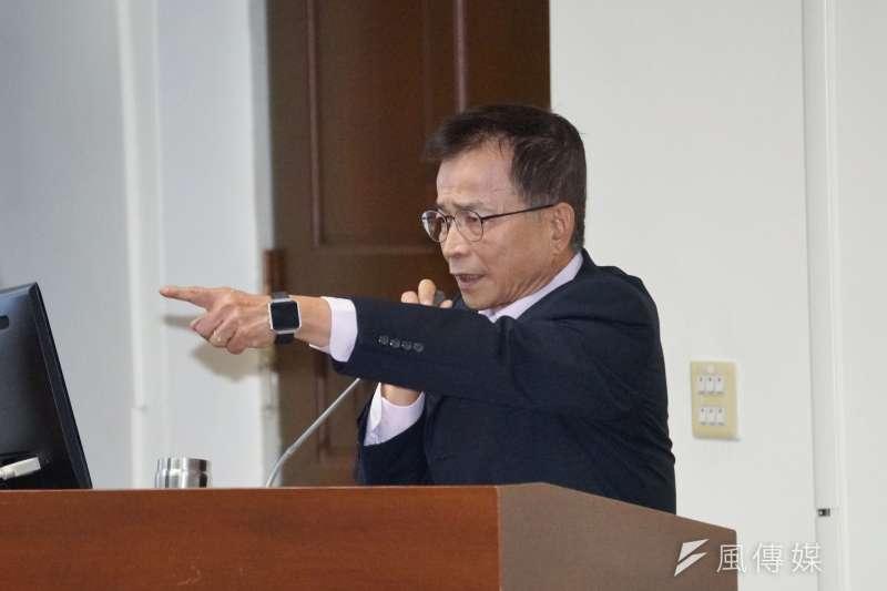 20201028-經濟委員會等28日聯席審查法案,立委賴士葆質詢。(盧逸峰攝)