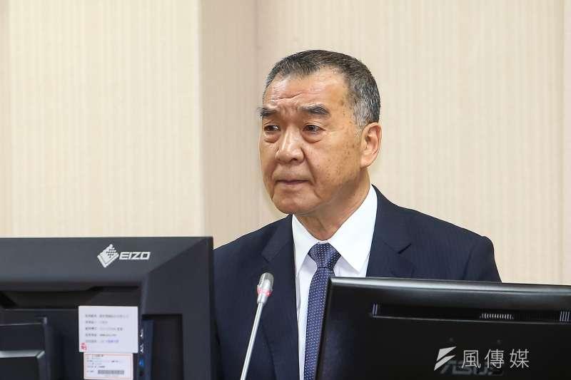 國防部長邱國正為青年日報刊登露骨文章致歉 。(顏麟宇攝)