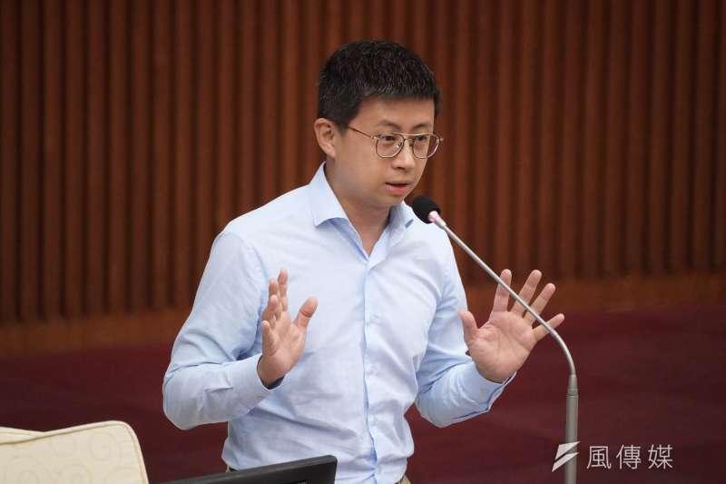 台北市議員「呱吉」邱威傑(見圖)3日在臉書上發文,揶揄最近台北市在演古惑仔。(資料照,盧逸峰攝)
