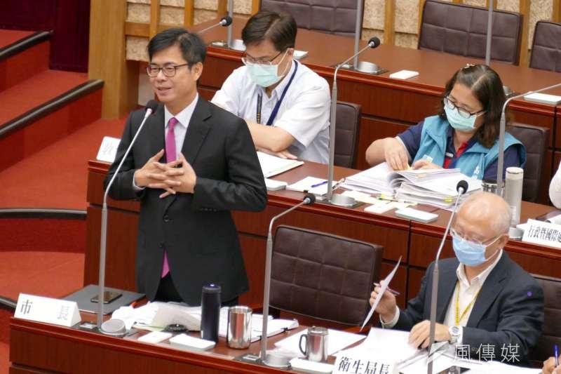 高雄市議會今(30)日舉行食品安全衛生管理專案報告,同時,市長陳其邁也回應議員們關心的萊豬問題。(圖/徐炳文攝)