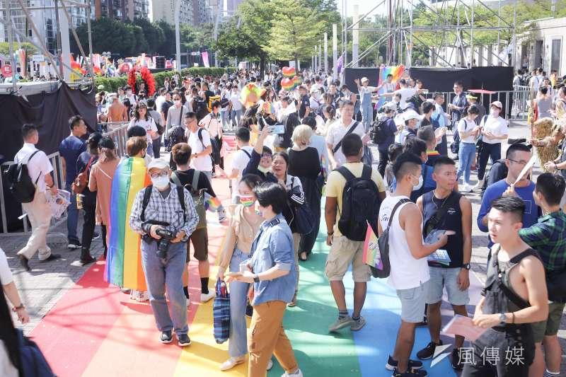 第18屆同志大遊行31日登場,主辦單位台灣彩虹公民行動協會表示,已有超過13萬人到場共襄盛舉。(陳品佑攝)