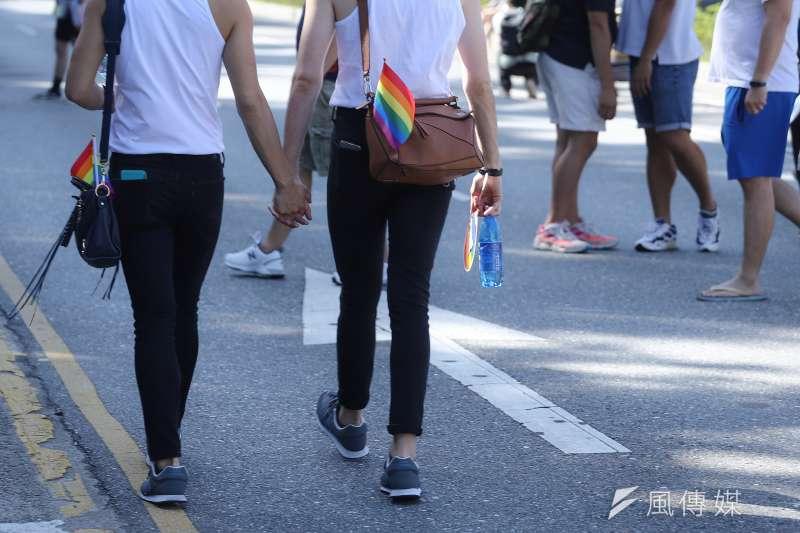 對於台灣尚未通過的「跨國同性婚姻」困境,12日台灣伴侶權益推動聯盟召開記者會。圖為2020年同志大遊行。(資料照,陳品佑攝)